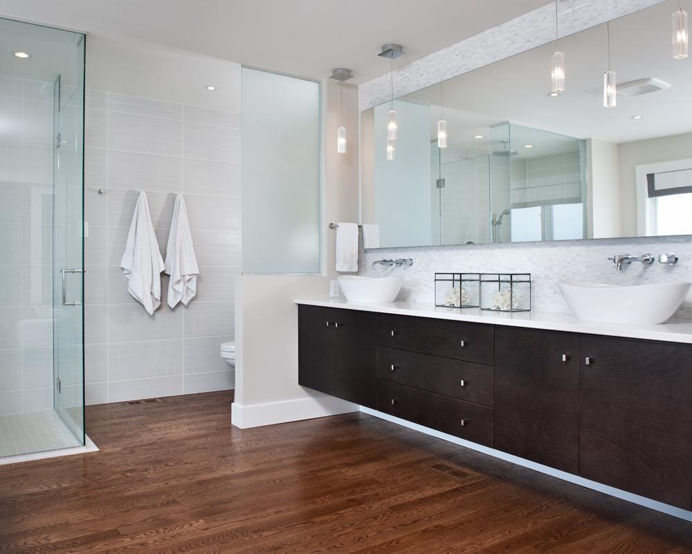 Modern Bathroom Renovation sOInteriorsca